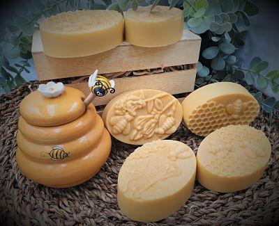 Manuka essential oil and Honey soap